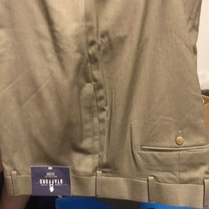 Men's Stafford 50X30 Dress pants! New with tags.
